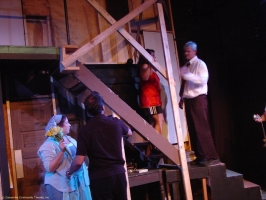 zct_noises_off_back_stage_00464